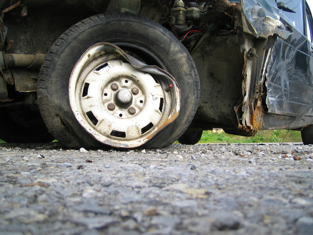 crash-car-1309515-640x480